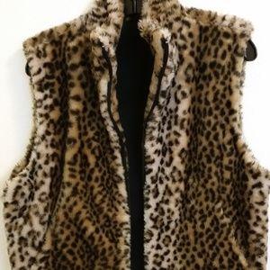 Jackets & Blazers - Animal Print Vest M